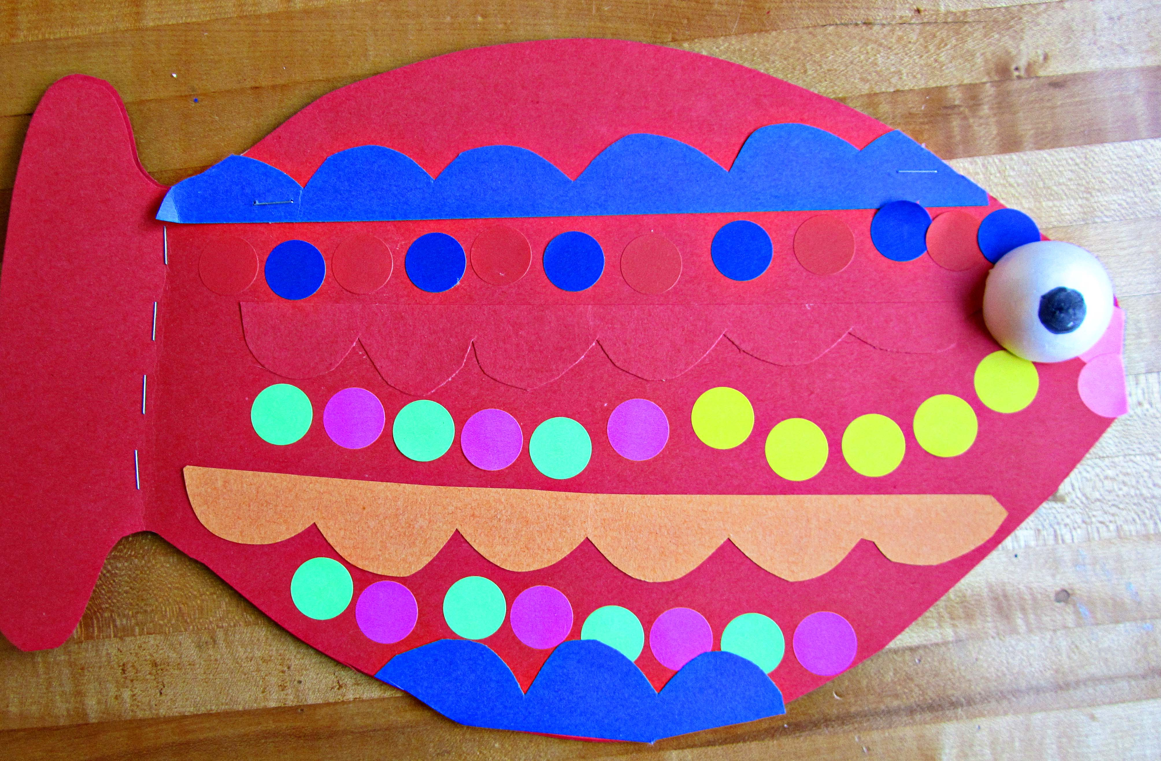 Project–Sunday School Fish Books | My Whit\'s End